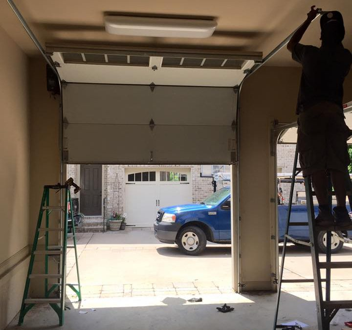 A Guide to Maintaining Your Garage Door
