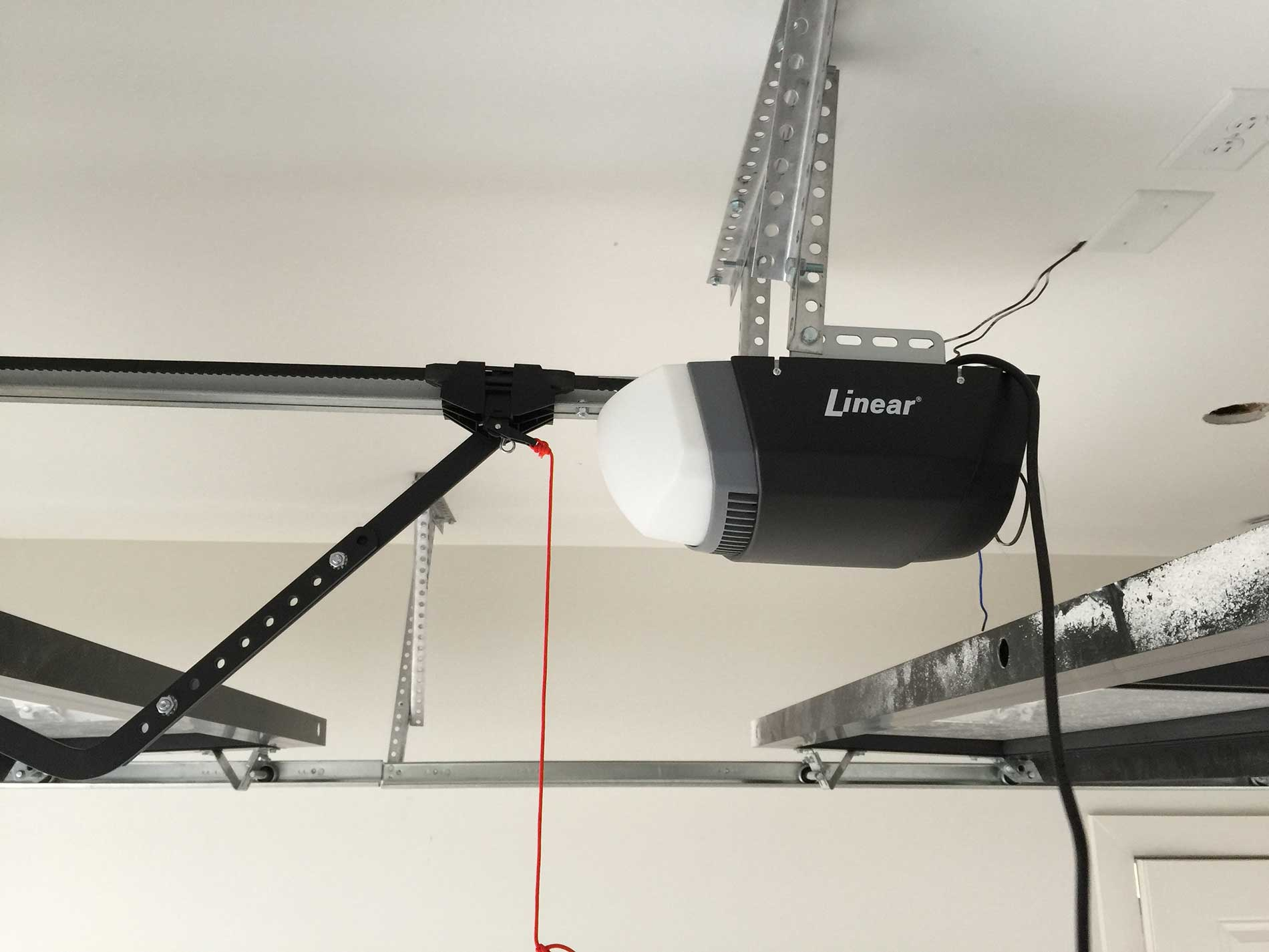 Fixing and installing garage door cable